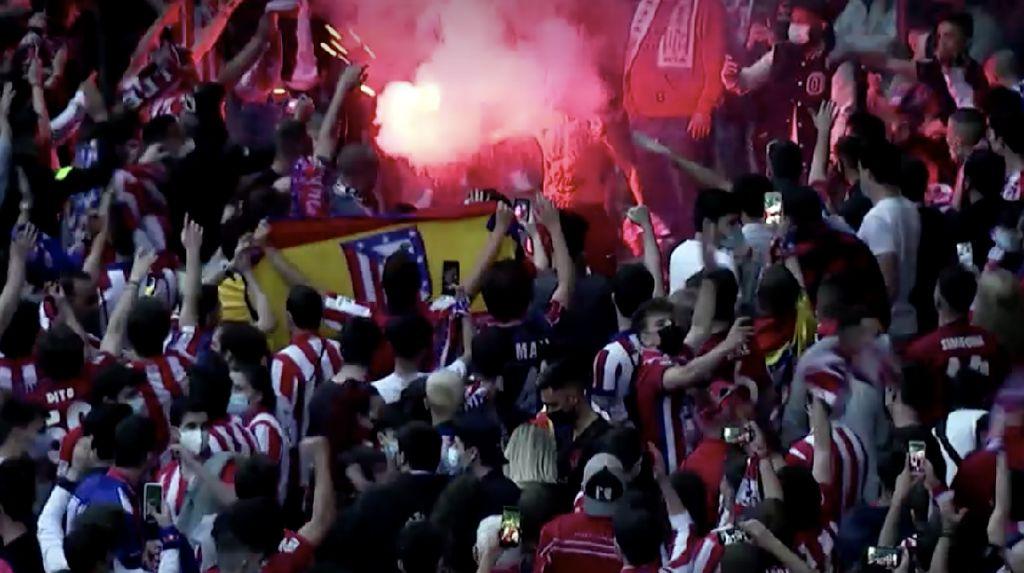 Ribuan Pendukung Atletico Tumpah Ruah di Kota Madrid