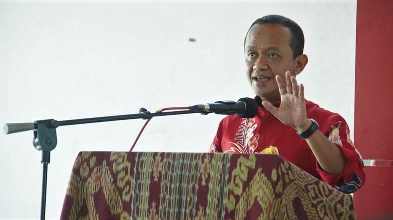 Menteri Investasi/Kepala BKPM Bahlil Lahadalia memberi kuliah umum bagi mahasiswa di Universitas Citra Bangsa. Ada berbagai hal yang dibahas Bahlil di sana.