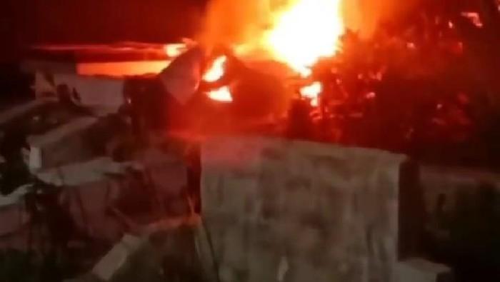Screenshot video viral di pemakaman Padangsidimpuan