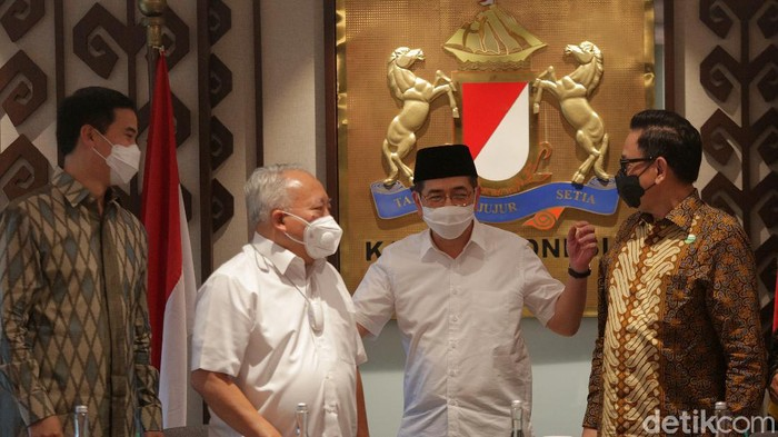 Arsjad Rasjid resmi mendaftarkan diri untuk maju dalam pemilihan Ketua Umum Kamar Dagang dan Industri (Kadin) Indonesia periode 2021-2026.