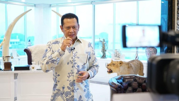 Ketua MPR RI Bambang Soesatyo (Bamsoet) mengapresiasi capaian Pemkab Purbalingga yang mendapat predikat Wajar Tanpa Pengecualian (WTP) untuk Laporan Keuangan Daerah (LKD) tahun 2020. Diketahui, prestasi tersebut merupakan yang kelima kalinya berturut-turut sejak tahun 2016.