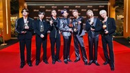 Terima Kasih ARMY! BTS Pamer Piala Billboard Music Awards 2021