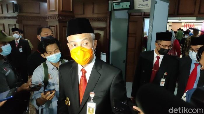 Gubernur Jateng, Ganjar Pranowo di kantornya, Senin (24/5/2021).