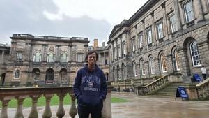 Kisah Inspiratif Pria Hidup di Bekas Kandang Kambing Raih Beasiswa S-2 di UK