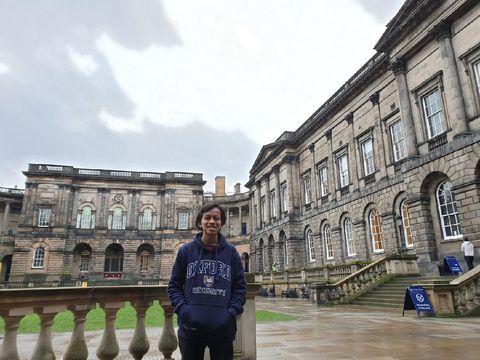 Kisah Angga Fauzan yang berhasil meraih S2 di Edinburgh University.