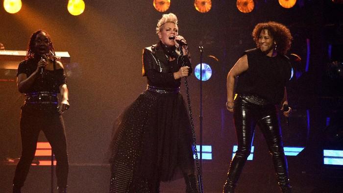 Pink di Billboard Music Arwads 2021