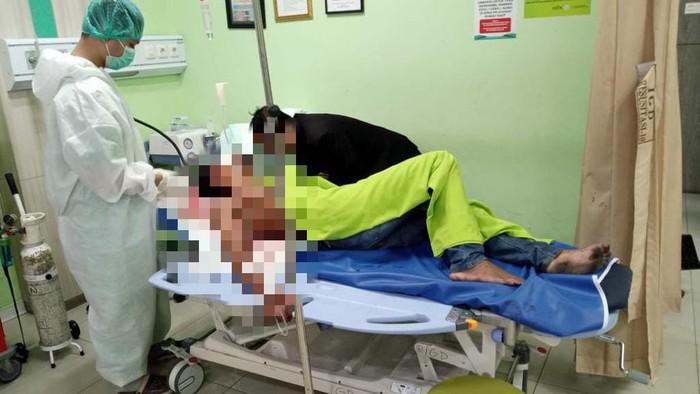 Anggota TNI, Korban pengeroyokan preman di Terminal Purabaya dirawat di rs