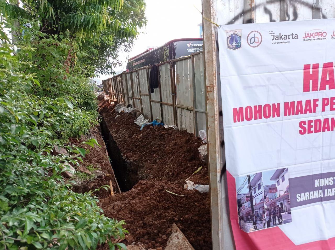 Proyek galian di Jl Mampang Prapatan, Jaksel, 24 Mei 2021, sore. (Sachril Agustin Berutu/detikcom)