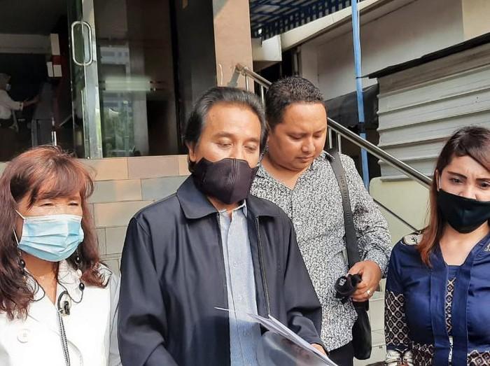 Roy Suryo polisikan Lucky Alamsyah terkait UU ITE