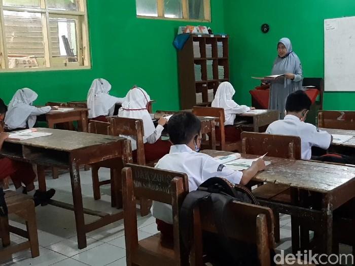 Sekolah tatap muka di Tasikmalaya