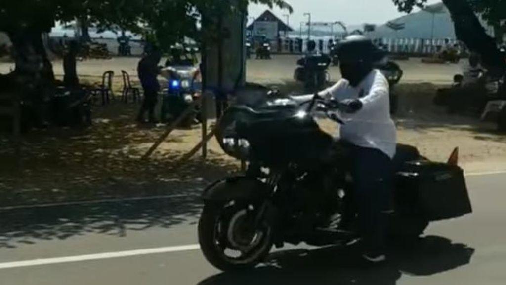 Viral! Rombongan Moge Lolos Penyekatan di Wisata Lombok