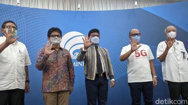 Kementerian Komunikasi dan Informatika (Kominfo) menerbitkan Surat Keterangan Laik Operasi (SKLO) teknologi 5G kepada Telkomsel. Ini menandakan Telkomsel jadi operator seluler pertama yang lulus dan menggelar layanan 5G di Indonesia secara komersial.