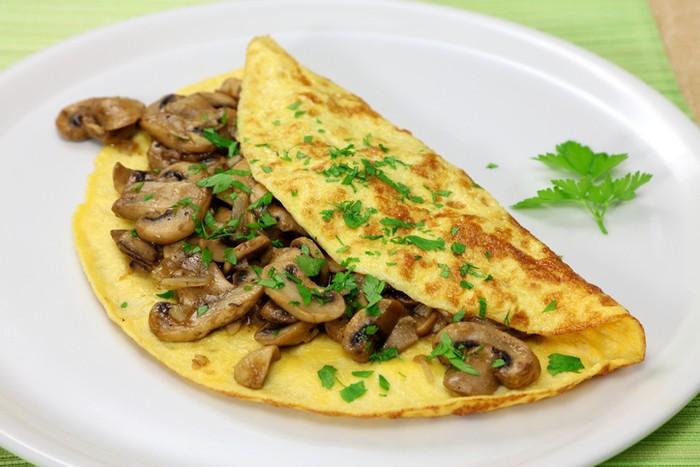 cara membuat omelet yang enak dan fluffy dengan 5 tips berikut.