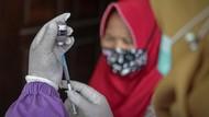 Ingat! Vaksinasi Lansia Wujud Kasih Sayang Anak pada Orang Tua