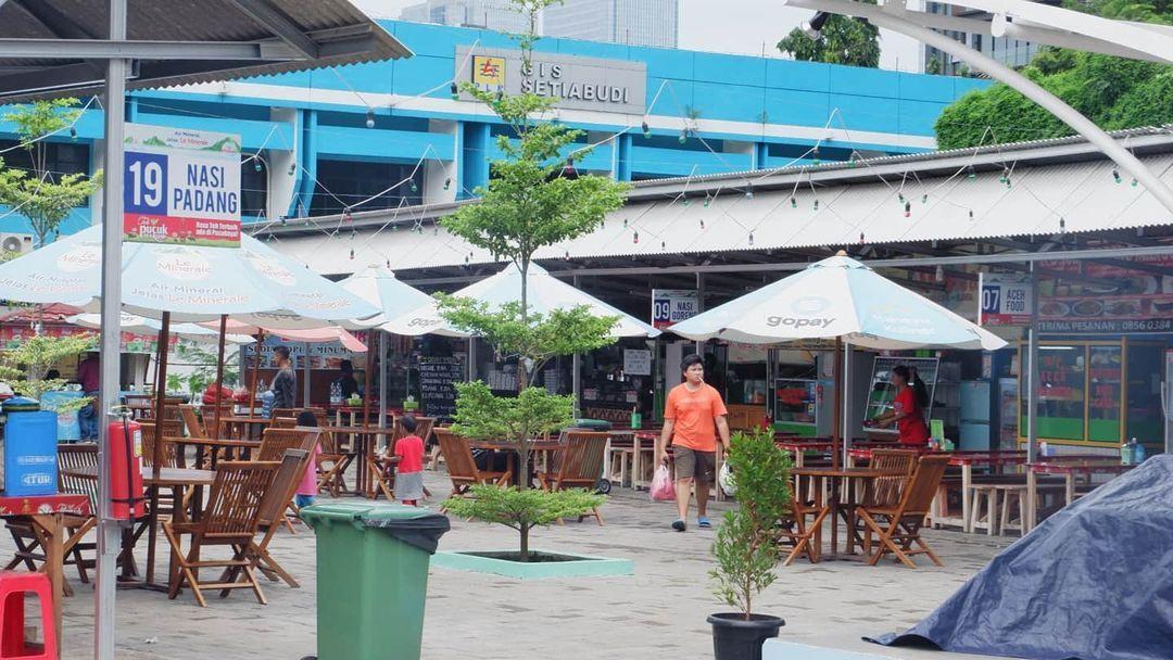 5 Pujasera di Jakarta Selatan yang Hits Ini Punya Ayam Geprek dan Pizza