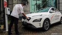 Tahun 2050 Semua Mobil dan Motor Baru di Indonesia Bertenaga Listrik