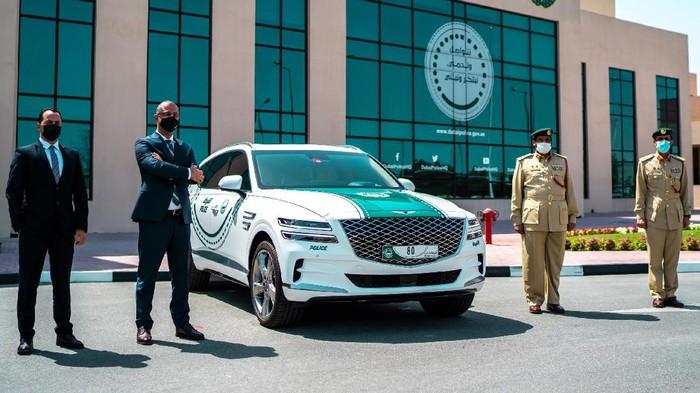 SUV Mewah Genesis GV80 Jadi Mobil Polisi Dubai