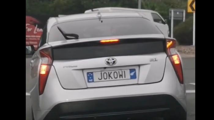 Toyota Prius berpelat nomor JOKOWI di Selandia Baru
