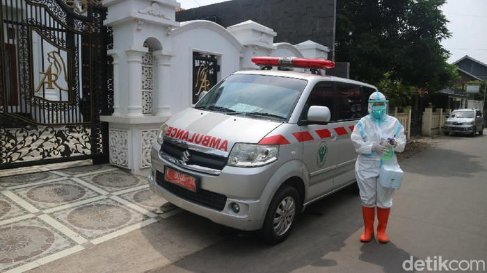 Tuan rumah hajatan yang dihadiri Dewi Perssik di Kudus jalani tes Corona, Selasa (25/5/2021).