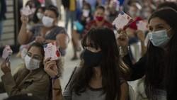 Alat kebersihan untuk wanita saat pandemi tidak hanya masker namun juga pembalut. Inilah yang mendorong LSM Brasil menyumbangkan alat kebersihan pada wanita.