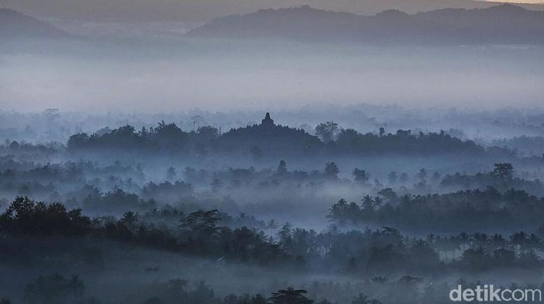 Peringatan Hari Raya Waisak tidak terpisahkan dengan keberadaan Candi Borobudur di Jawa Tengah. Yuk simak lagi kemegahannya.