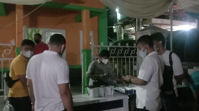 Penggerebekan Lokasi Tes Antigen di Lapangan Merdeka depan Kantor Pos Medan