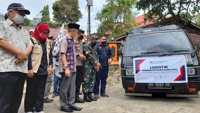 Pengiriman logistik untuk PSU Pigub Jambi