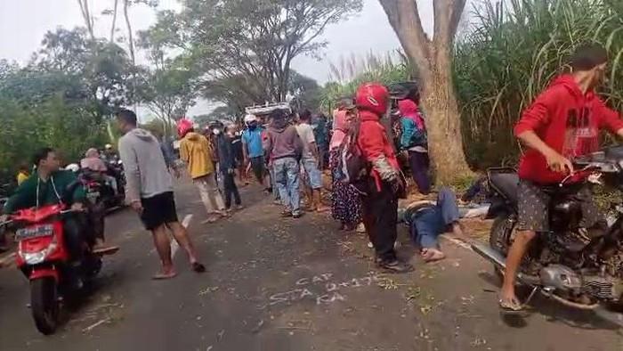 Pikap Muat Rombongan Arisan Kecelakan di Malang, Tujuh Tewas