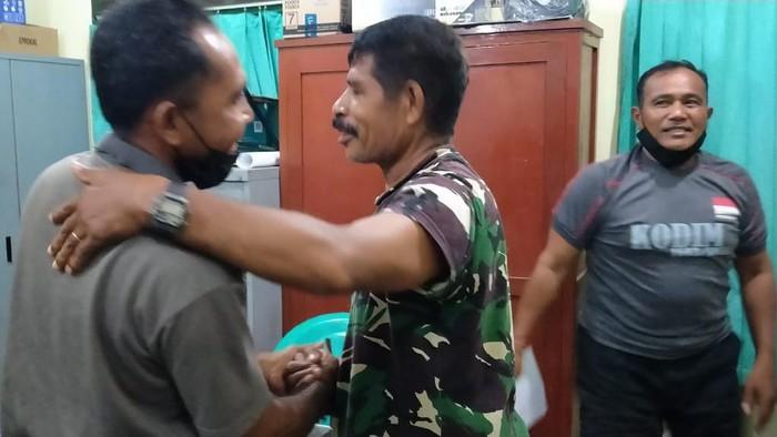Proses perdamaian antara oknum TNI dan petugas SPBU di NTT (dok. TNI)