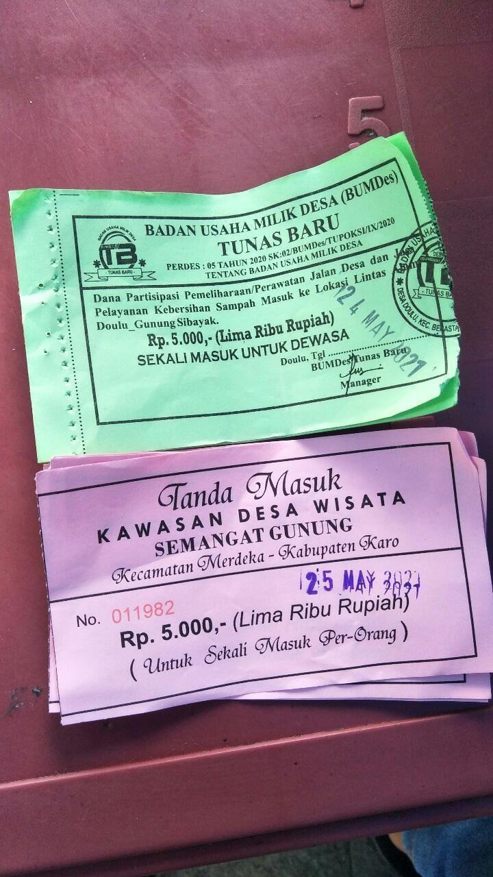 Tiket masuk ke area wisata Sidebuk-debuk Sumut