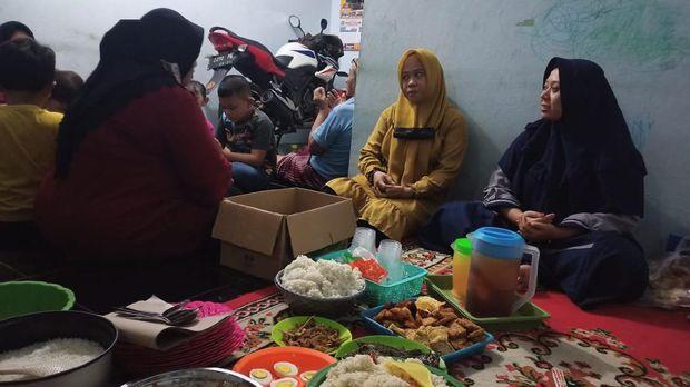 Tradisi Liwetan Saat Gerhana Bulan Dipercaya untuk Keselamatan Ibu Hamil
