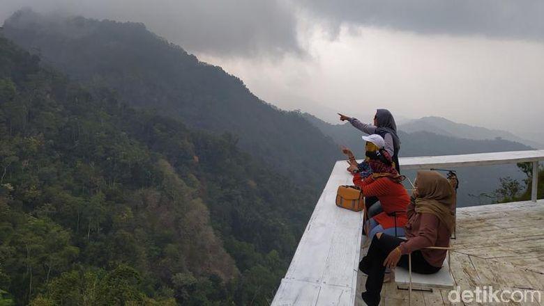 Restoo Tumpeng menoreh destinasi wisata baru di Magelang, Jawa Tengah