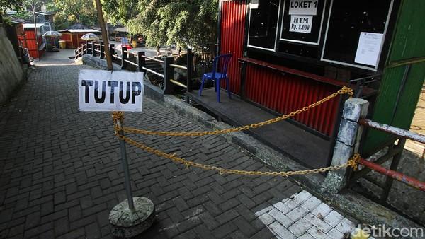 Satgas Percepatan Pengendalian COVID-19 Kabupaten Klaten menutup paksa objek Wisata Umbul Kapilaler dan Umbul Sigedang yang berlokasi di dua desa di Kecamatan Polanharjo, Kabupaten Klaten, Jawa Tengah.
