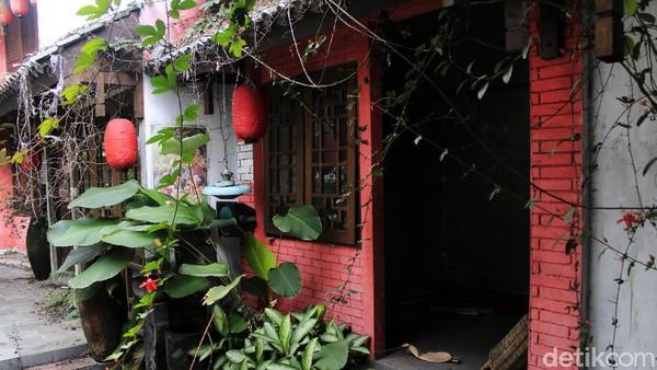 Chinatown Bandung yang terletak di Jl Kelenteng No 41, Ciroyom, Kecamatan Andir, Kota Bandung, telah tutup sejak Mei 2020.