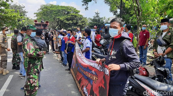 Demo di Kantor Indomaret Jakut