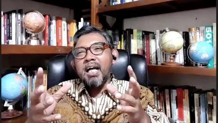 Direktur Sosialisasi dan Kampanye Antikorupsi KPK Giri Supradiono