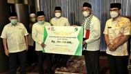 JK Serahkan Bantuan untuk Palestina di Masjid Raya Bintaro