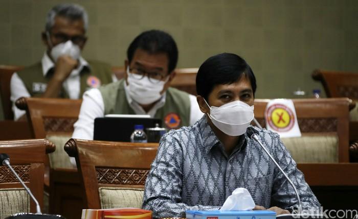 Komisi IX DPR gelar Rapat Dengar Pendapat (RDP) dengan Wakil Menteri Kesehatan Dante Saksono Harbuwono. Rapat tersebut membahas antisipasi lonjakan kasus COVID-19.