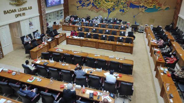 Majelis Ulama Indonesia (MUI) rapat bersama badan legislasi DPR RI terkait RUU Minuman Beralkohol (Minol).