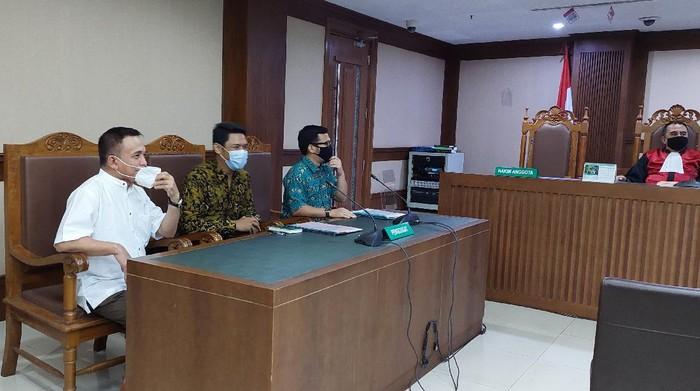 Sidang PK Eks Gubernur Aceh Irwandi Yusuf