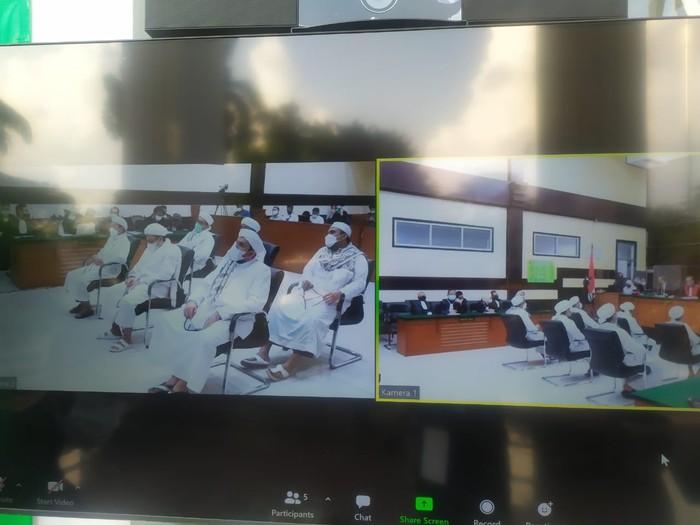 Sidang vonis kasus kerumunan Petamburan (Luqman-detikcom)