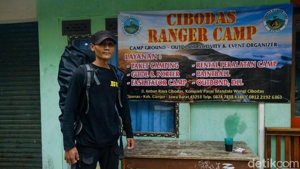 Sejak dibukanya kembali pendakian Gunung Gede-Pangrango, penghasilannya perlahan pulih. Ia mengatakan, hampir setiap akhir pekan selalu ada tugas sebagai porter.