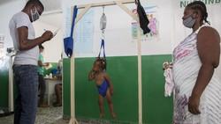 Tim UNICEF mengunjungi Haiti. Kunjungan ini dilakukan di tengah kekhawatiran atas meningkatnya kekurangan gizi dan menurunnya tingkat imunisasi pada anak-anak.