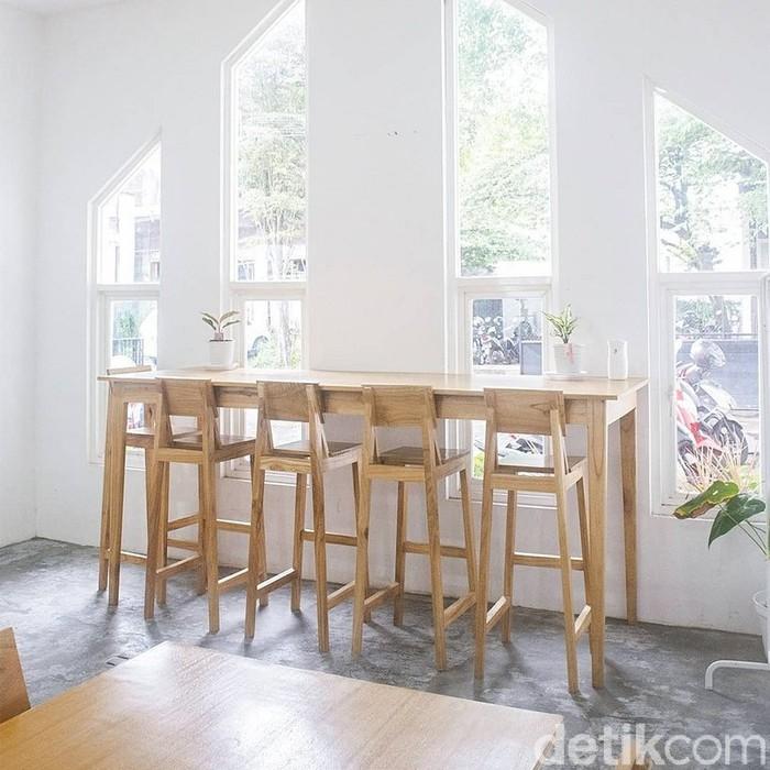 Kedai Botani Coffee House: Kafe Instagenik yang Punya 'Thinking Room'