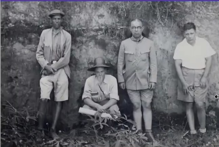 Jozef Zwierzycki saat membuat pemetaan wilayah Jawa Timur