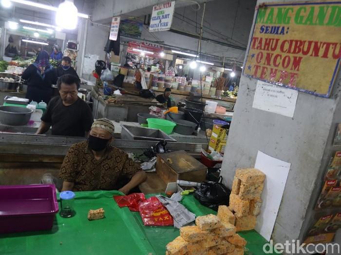Perajin mogok, tahu tempe hilang di Pasar Kosambi Bandung