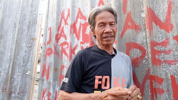 Salah satu pedagang Pasar Kambing, Farid H Moh Harun.