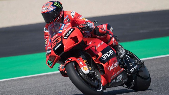 SCARPERIA, ITALY - MAY 28: Francesco Bagnaia of Italy and Ducati Lenovo Team rounds the bend during the MotoGP Of Italy - Free Practice at Mugello Circuit on May 28, 2021 in Scarperia, Italy. (Photo by Mirco Lazzari gp/Getty Images)