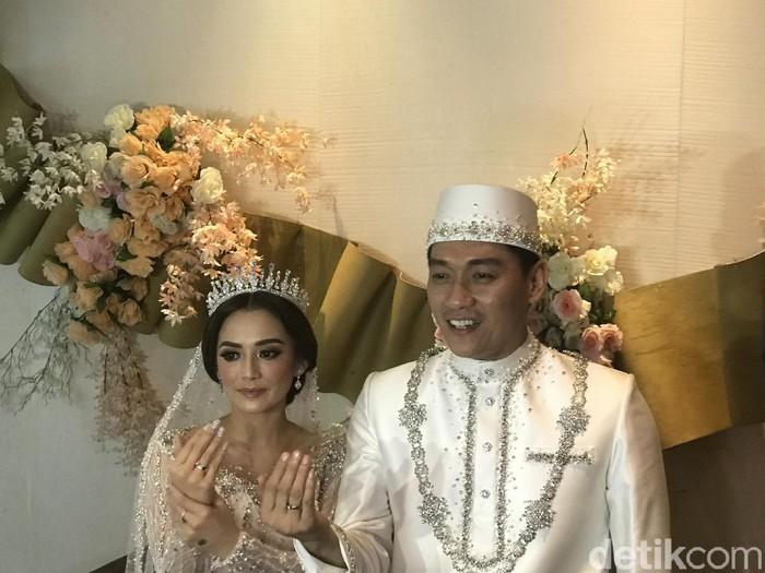 Ifan Seventeen dan Citra Monica resmi menikah