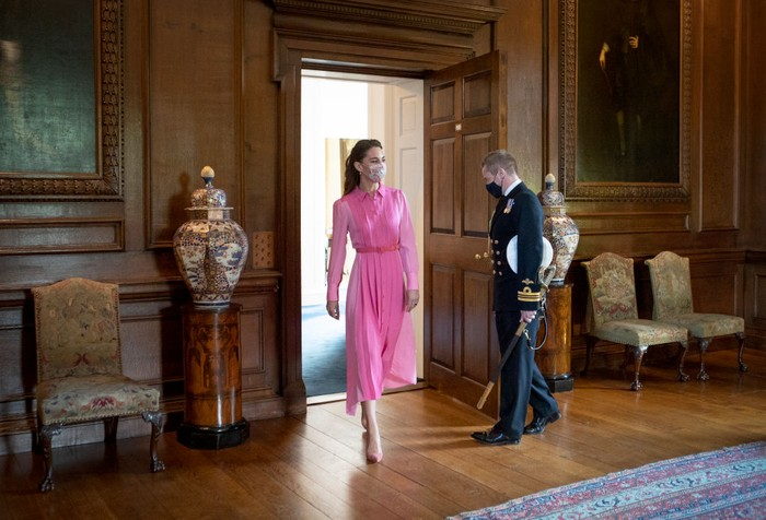 EDINBURGH, SCOTLAND - MAY 27: Catherine, Duchess of Cambridge arrives to meet with Mila Sneddon, aged five, and her family, at the Palace of Holyroodhouse on May 27, 2021 in Edinburgh, Scotland. Cancer patient Mila features in an image from the Hold Still photography project which showed her kissing her father Scott through a window whilst she was shielding during her chemotherapy treatment. (Photo by Jane Barlow - WPA Pool/Getty Images)
